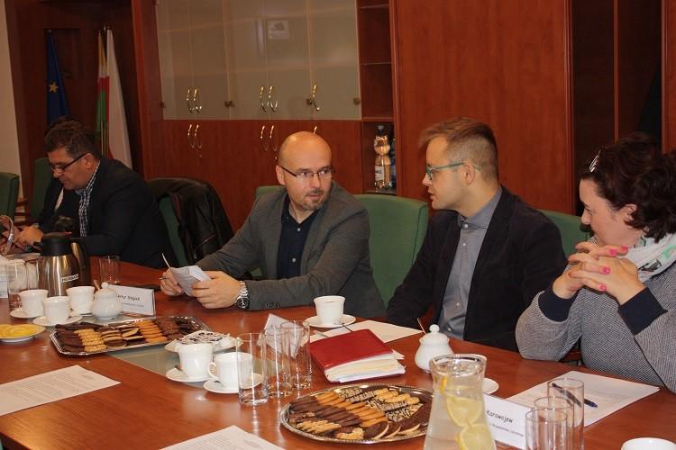 Na zdjęciu członkowie rady.