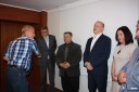 Wicemarszałek wręcza dyplom Tadeuszowi Weberowi